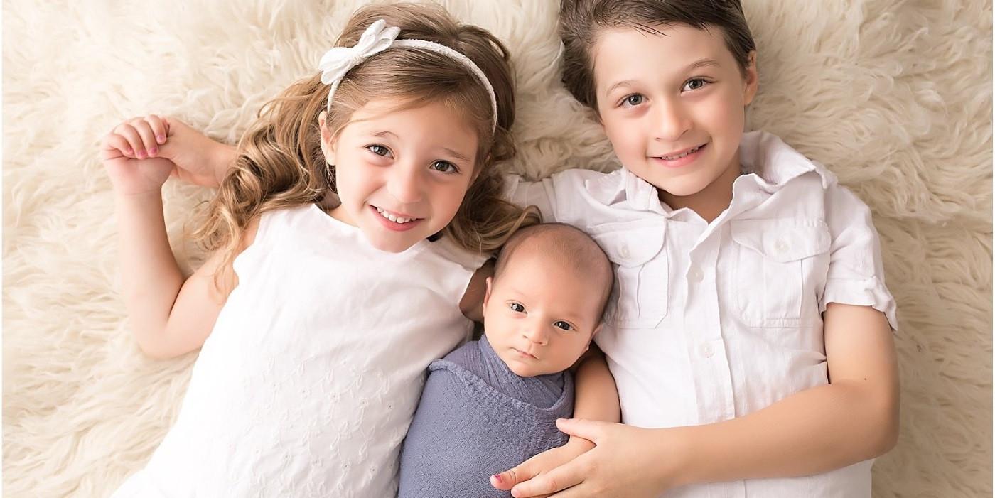 null  - three kids 1400px - ΠΡΟΣΦΟΡΕΣ  - three kids 1400px - ΠΡΟΣΦΟΡΕΣ